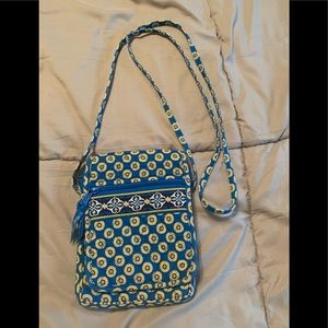 Vera Bradley small crossbody handbag.